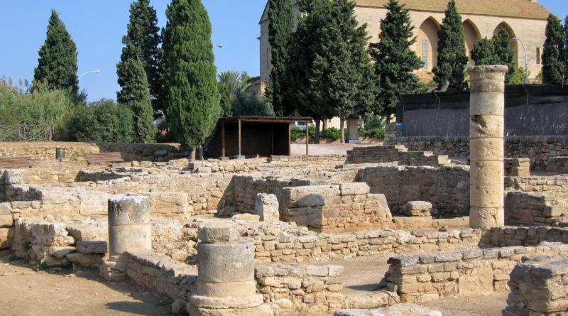 Église Saint-Jacques et ruines de Pollentia à Alcúdia à Majorque
